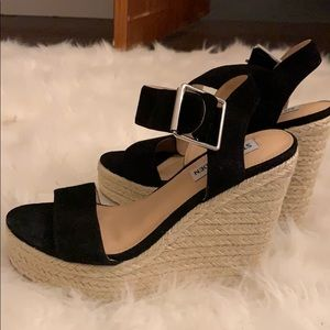 NEVER WORN! STEVE MADDEN SANTORINI WEDGE